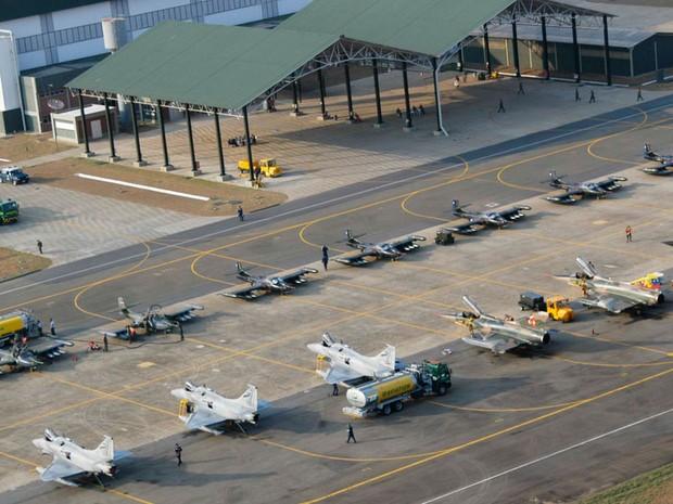 Base Aérea de Natal recebe militares de 12 países para o maior exercício de guerra aérea simulada da América Latina, a CRUZEX C2 2012. (Foto: Força Aérea Brasileira)