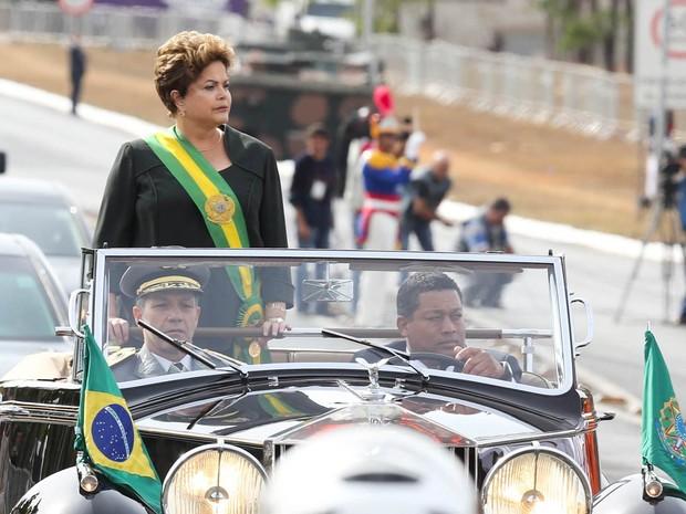 A presidente Dilma Rousseff participa em Brasília do desfile cívico e militar de 7 de Setembro, em que se celebra os 191 anos de independência do Brasil. (Foto: Vanessa Carvalho/Brazil Photo Press/Estadão Conteúdo)
