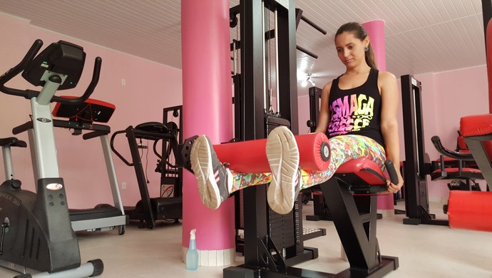 Debora Janaína perdeu 20kg com dieta e exercícios (Foto: Pâmela Fernandes)