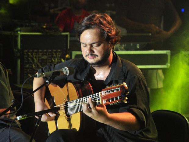 O violonista Yamandu Costa é a segunda atração da noite de shows da Barra. (Foto: Jefferson Peixoto/Agência Haack)