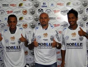 Thiago Silva, Acleisson e Anderson Luiz são apresentados no Comercial (Foto: Gabriel Lopes / Comercial FC)