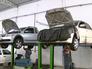 Motoristas têm dificuldades para encontrar mecânicos especializados (Foto: Ely Venâncio/EPTV)
