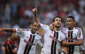 Carlinhos, Fred e Cicero gol Fluminense (Foto: Matheus Andrade / Photocâmera)