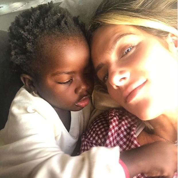 Giovanna Ewbank e Títi (Foto: Reprodução/Instagram)