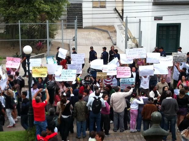 Piraí manifestação protesto (Foto: Priscila Sequeira/TV Rio Sul)