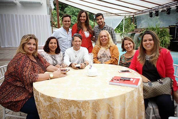 Solange Couto na casa de festa de seus 60 anos (Foto: Divulgação / Carlos Azevedo)