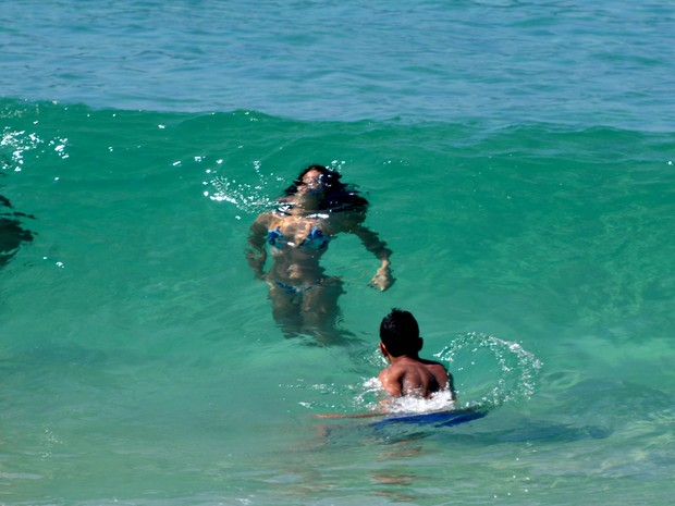 Mar de Ipanema estava cristalino  (Foto: ALESSANDRO BUZAS/FUTURA PRESS/ESTADÃO CONTEÚDO)