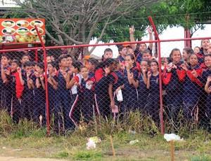 crianças treino Seleção (Foto: Leandro Canônico)