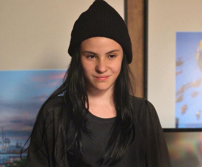 Atriz colore os cabelos pela primeira vez (Foto: TV Globo)