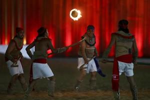 Indígenas mexicanos fazem demonstração de jogo bem diferente (Foto: Roberto Castro/ ME)