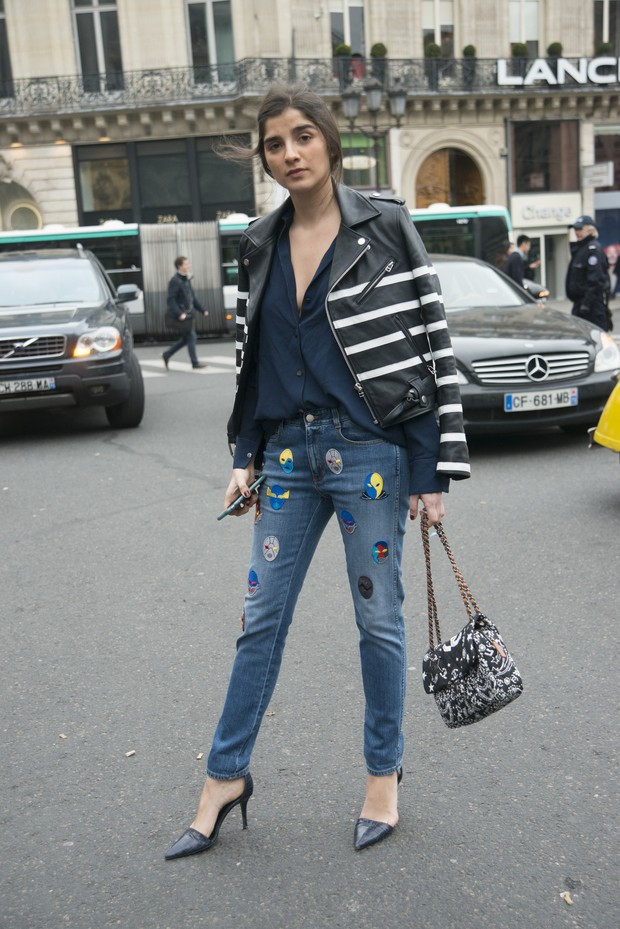 Juliana Lazara usa look com patche (Foto: Getty Images)