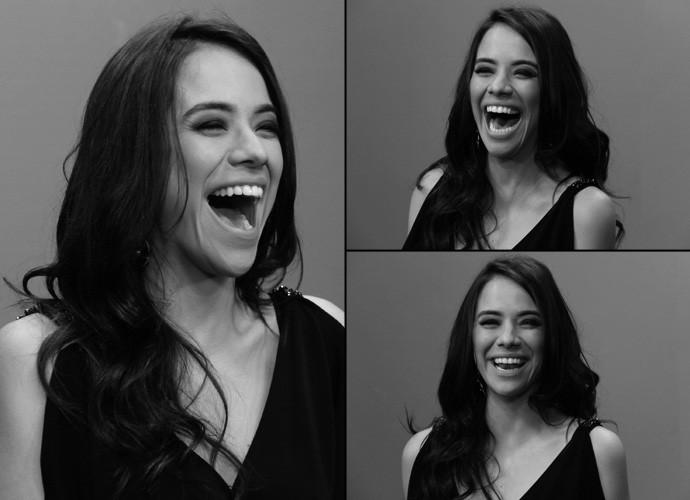 Miá Mello se diverte durante gravação nos bastidores do Altas Horas (Foto: Marcos Mazini/Gshow)
