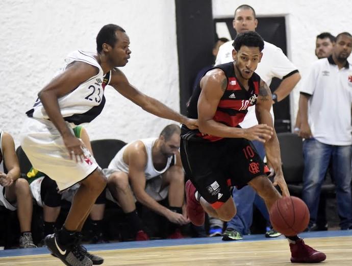Vasco x Flamengo, final do Estadual de basquete, jogo 2, São Januário (Foto: André Durão)