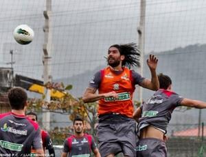 Loco Abreu no primeiro treino como jogador do Figueirense (Foto: Luiz Henrique, FFC)