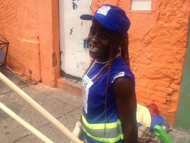 Aline participa do primeiro dia de trabalho da Operação Braços Abertos (Foto: Márcio Pinho/G1)