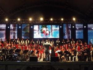 Vozes de Natal em Rio Preto (Foto: Marcos Lavezo / G1)