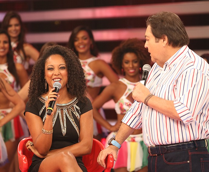 Negra Li conversa sobre o Dança (Foto: Carol Caminha / Gshow)