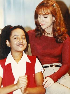 Aretha com Flávia Monteiro, as duas atrizes que atuaram do começo ao fim da novela (Foto: Divulgação/SBT)