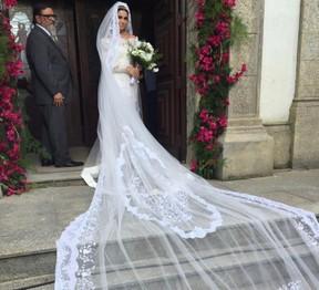 Giovanna Antonelli posa com figurino de Alice para casamento com Mario (Foto: Reprodução/Instagram)