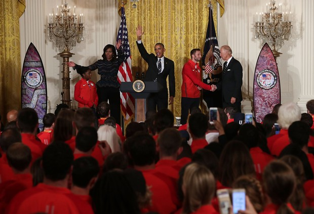 Michelle e Barack Obama recebem atletas na Casa Branca para celebrar os recordes atingidos durante a Olimpíada Rio 2016 (Foto: Getty Image)