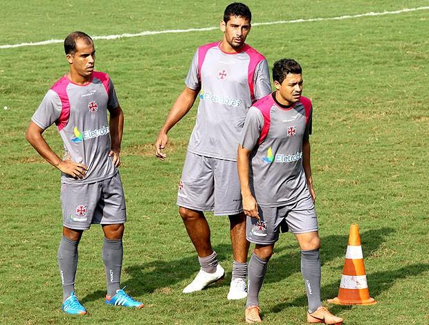 Felipe, Diego Souza e Eder Luis no treino do Vasco (Foto: Cezar Loureiro / Agência O Globo)