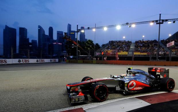 Lewis Hamilton treino GP de Singapura (Foto: EFE)