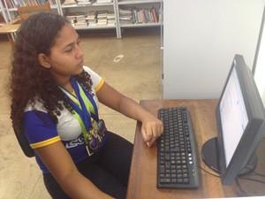 Adolescente teve conhecimento do programa por meio da internet (Foto: Jéssica Alves/G1)