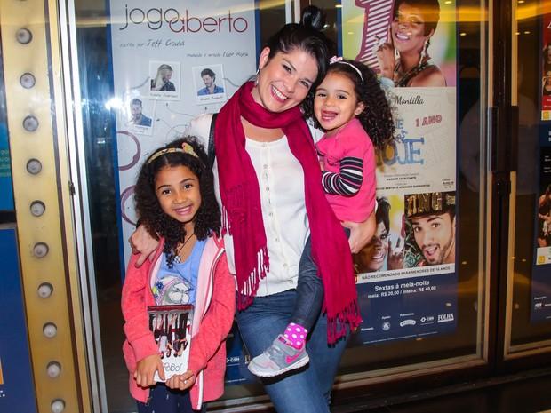 Samara Felippo com as filhas  (Foto: Manuela Scarpa/Brazil News)