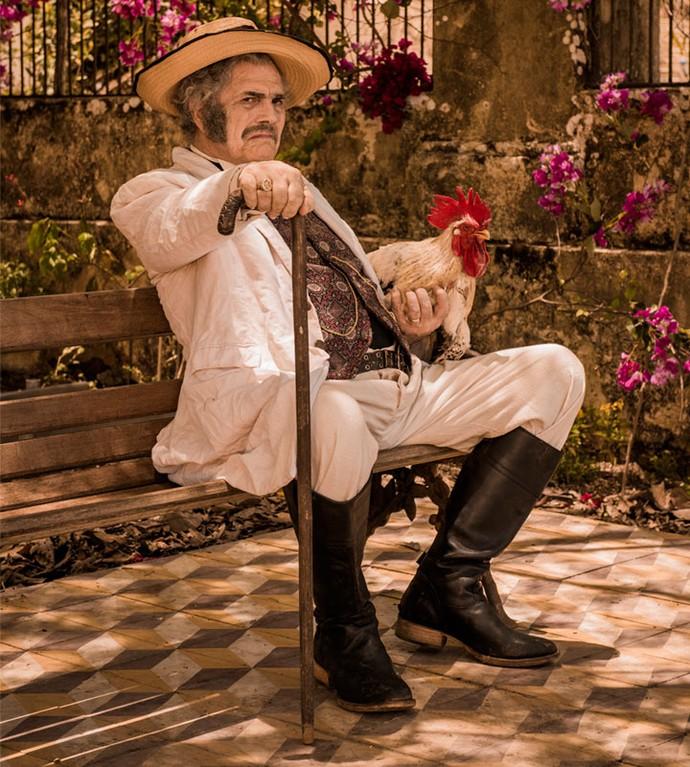 Tarcísio Meira na pele do poderoso coronel Jacinto, que comanda a cidade de Grotas do São Francisco (Foto: Caiuá Franco/ Globo)