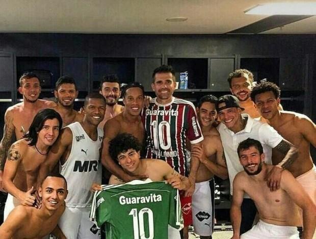 Ronaldinho vestiário Galo