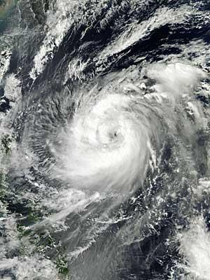 Imagem de satélite da Nasa mostra o tufão 'Fitow' no Oceano Pacífico, na quinta-feira (2). (Foto: Nasa / Via AFP Photo)