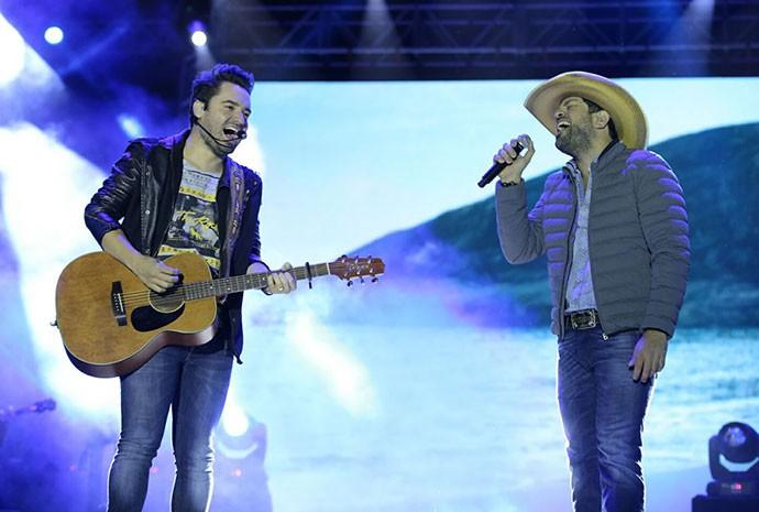 Dupla Fernando e Sorocaba, no Festival de Inverno 2015 (Foto: Laécio Lacerda)