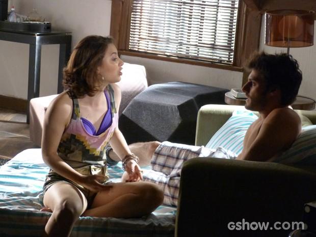 Micaela irada ao saber que Martin dormiu fora  (Foto: Malhação / TV Globo)