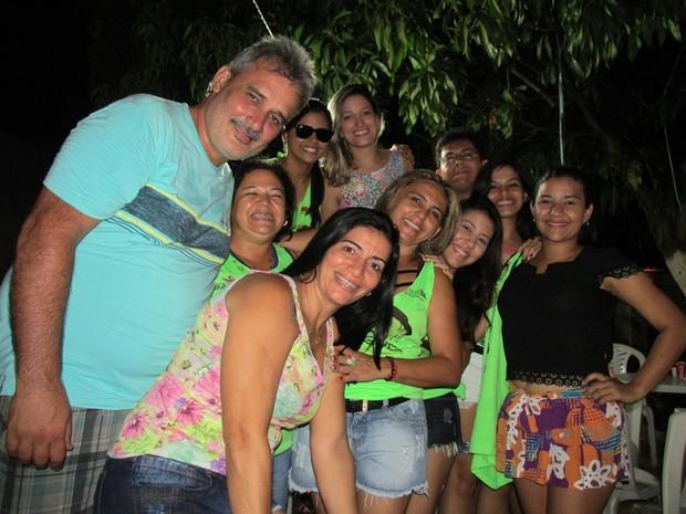 Reunião de família se transforma em tradicional bloco de carnaval (Foto: Gil Oliveira)