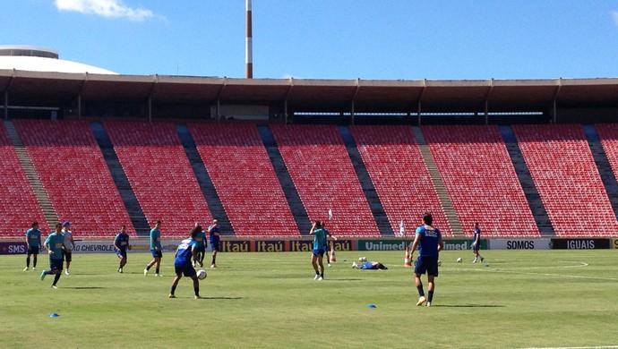 jogadores Cruzeiro treino Uberlândia (Foto: Gullit Pacielle)