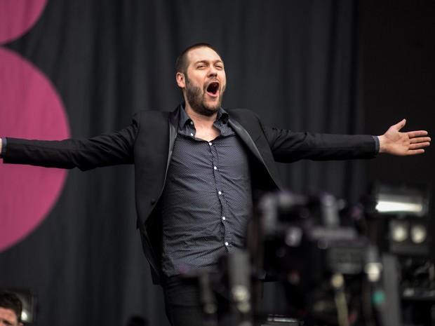 O vocalista do Kasabian, Tom Meighan, em apresentação no palco Onix (Foto: Marcelo Brandt/G1)