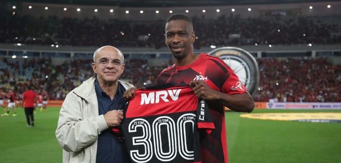 Juan completou 300 jogos com a camisa do Flamengo (Foto: Gilvan de Souza / Flamengo)