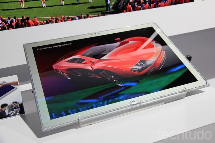 Toughpad 4K com super-resolução e tela de 20 polegadas (Foto: Monique Mansur/TechTudo)