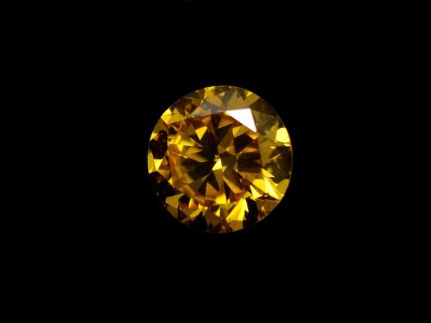 Diamante vale aproximadamente R$ 16 mil e foi doado à ONG de Maringá (Foto: Marista/Divulgação)