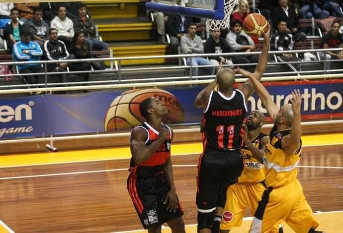 Marquinhos Basquete Flamengo x Capitanes de Arecibo (Foto: Samuel Vélez / FIBA)