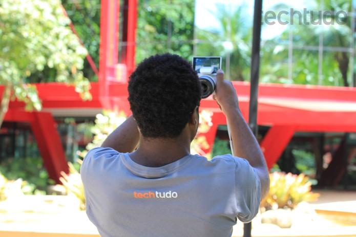 Ideal para quem gosta de tirar selfies  (Foto: Carol Danelli/TechTudo)