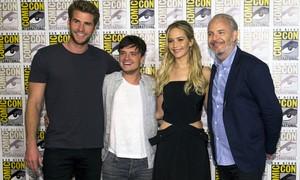 Jennifer Lawrence se despede de 'Jogos Vorazes' na Comic-Con 2015