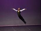 Pai de bailarino supera preconceito após filho ganhar bolsa nos EUA