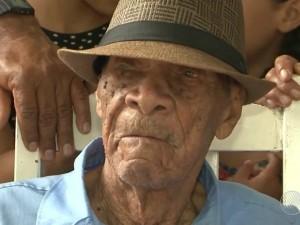 Filho mais velho do idoso já tem 80 anos (Foto: Reprodução/TV Bahia)
