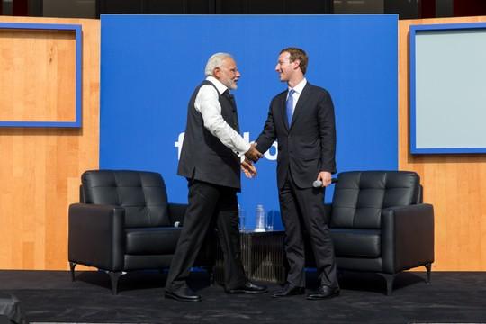 Narendra Modi, primeiro ministro da Índia e Mark Zuckerberg, do Facebook (Foto: Divulgação)