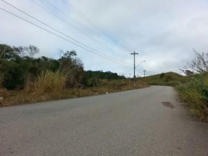 Troca de tiros aconteceu na Estrada da Moralogia (Foto: William Tanida/TV Diário)