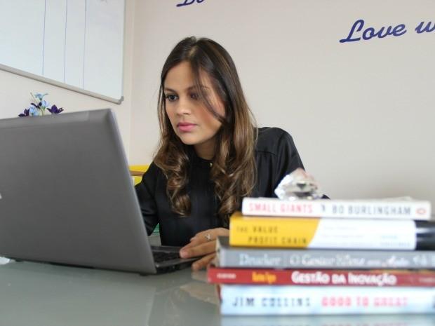 Luciana aproveitou 'boom' empresarial para criar sua própria companhia (Foto: Girlene Medeiros/G1 AM)