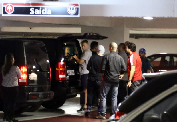 Integrantes do One Direction chegando ao Flamengo (Foto: Gabriel Reis / Ag. News)