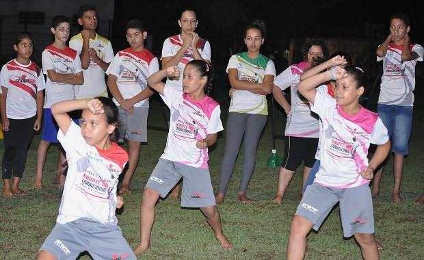 Demonstração da prática do Karatê-Dô Tradicional a população Cuiabana (Foto: Reprodução/ Internet)