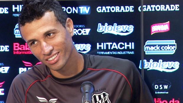 Rodrigo Biro lateral Ponte Preta (Foto: Carlos Velardi / EPTV)